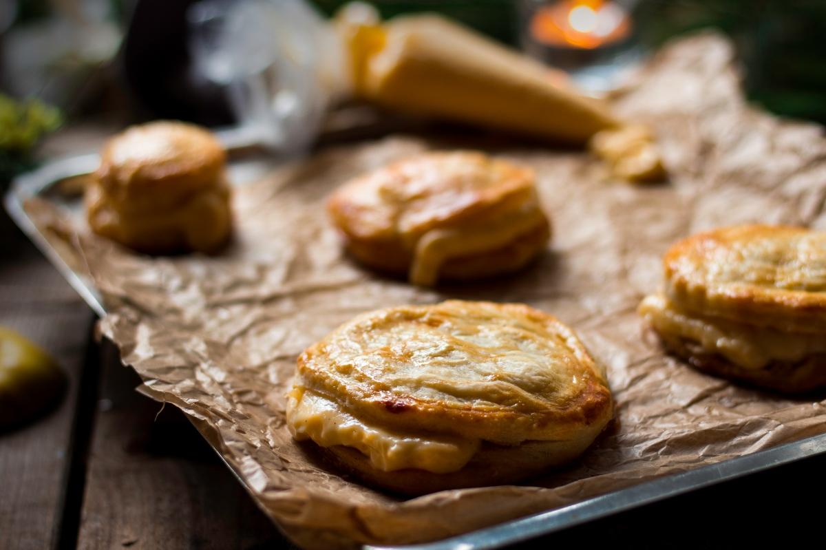 Pastelitos de manzana con cremaPastelera